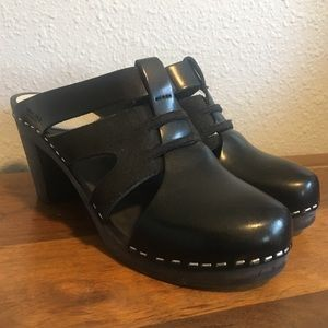 Maguba Wood Clogs size 38 Black Suede and Leather